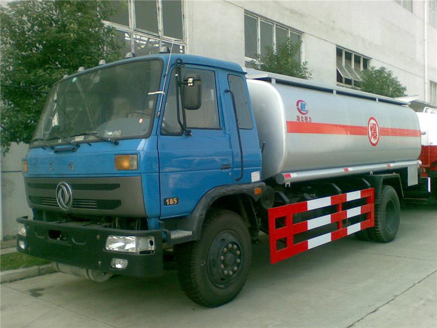 东风15方-30方油罐车展示图3