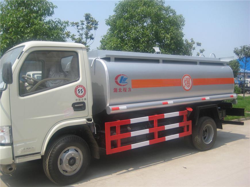 东风5方-15方油罐车展示图7