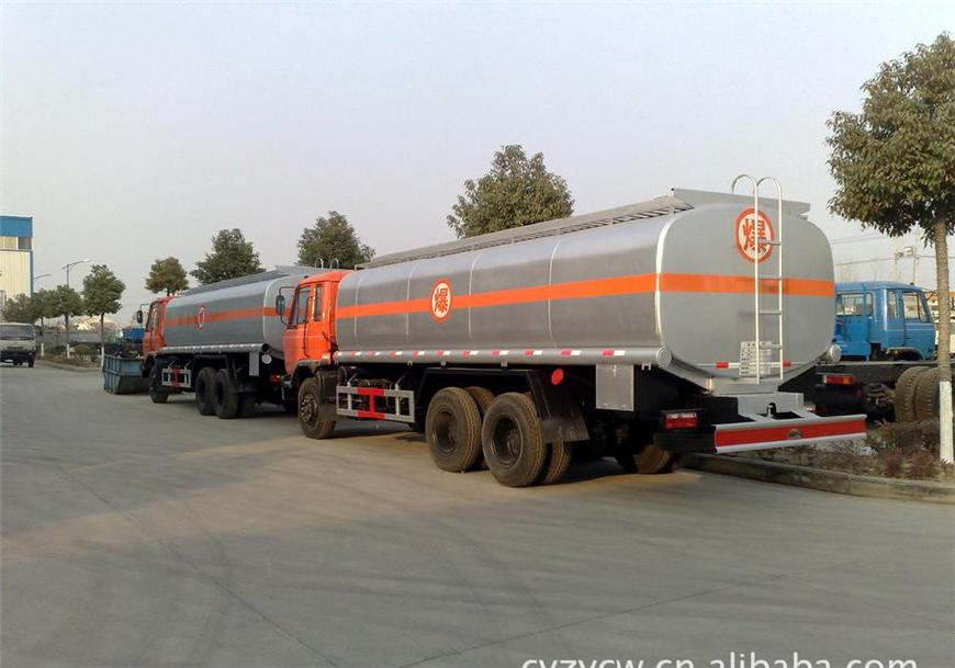解放30方-45方油罐车展示图5