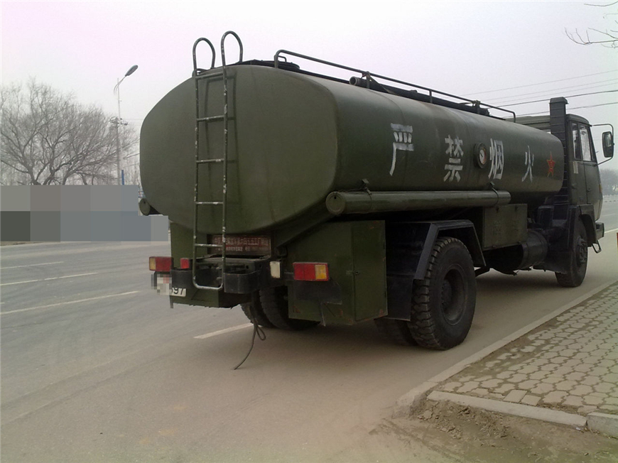 解放30方-45方油罐车展示图6