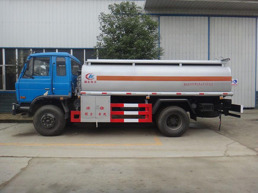 东风10吨油罐车右侧展示图