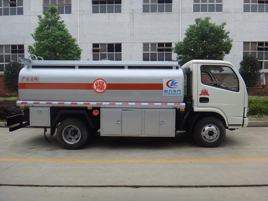 风劲卡5吨油罐车左侧展示图