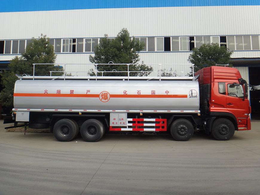 东风天龙25吨油罐车左侧展示图