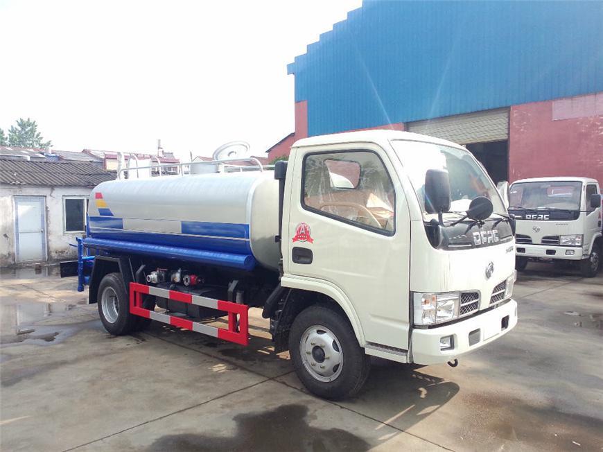 东风5m³-15m³油罐车展示图