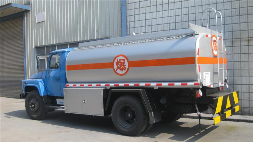 东风5m³-15m³油罐车展示图7