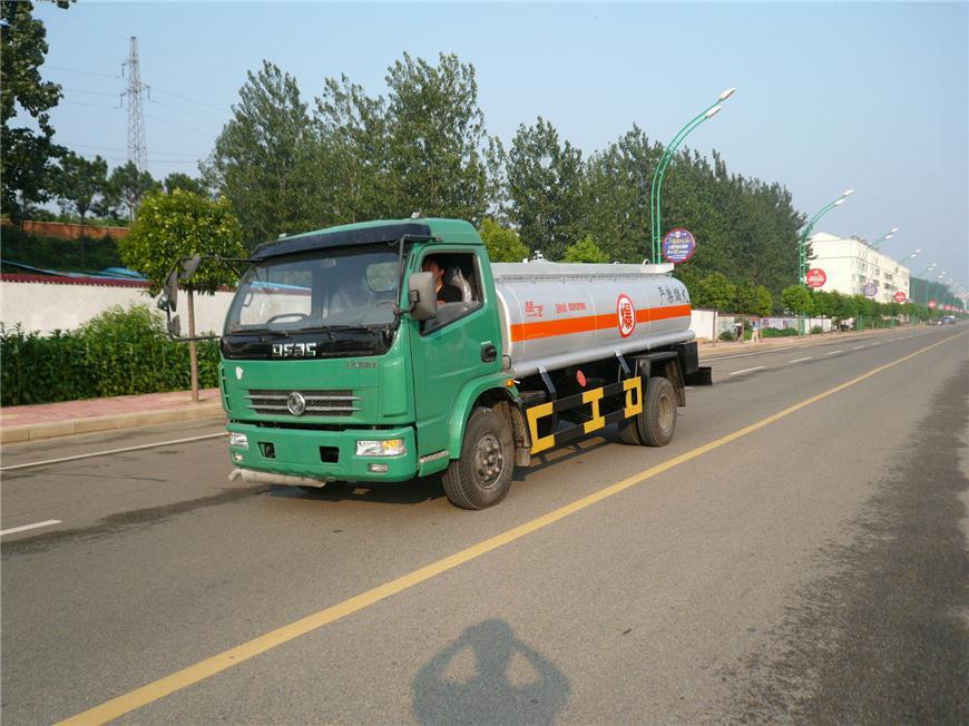 东风5m³-15m³油罐车展示图8
