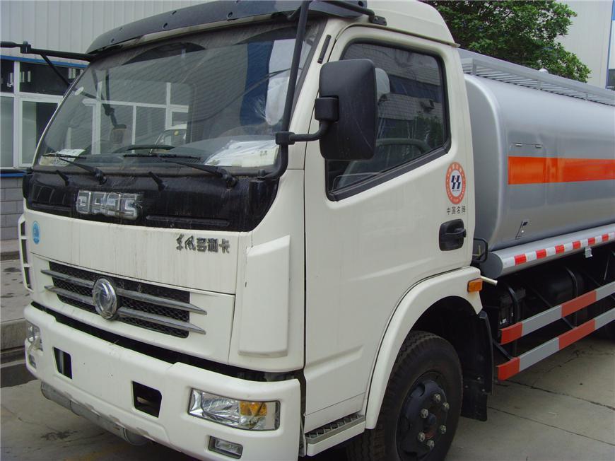 东风5m³-15m³油罐车展示图9