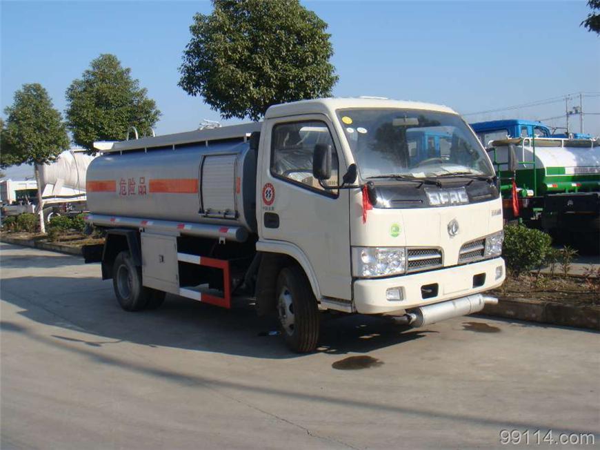 东风5m³-15m³油罐车展示图5