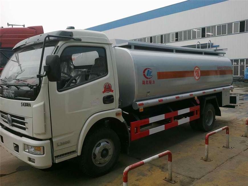 东风5方-15方油罐车展示图8