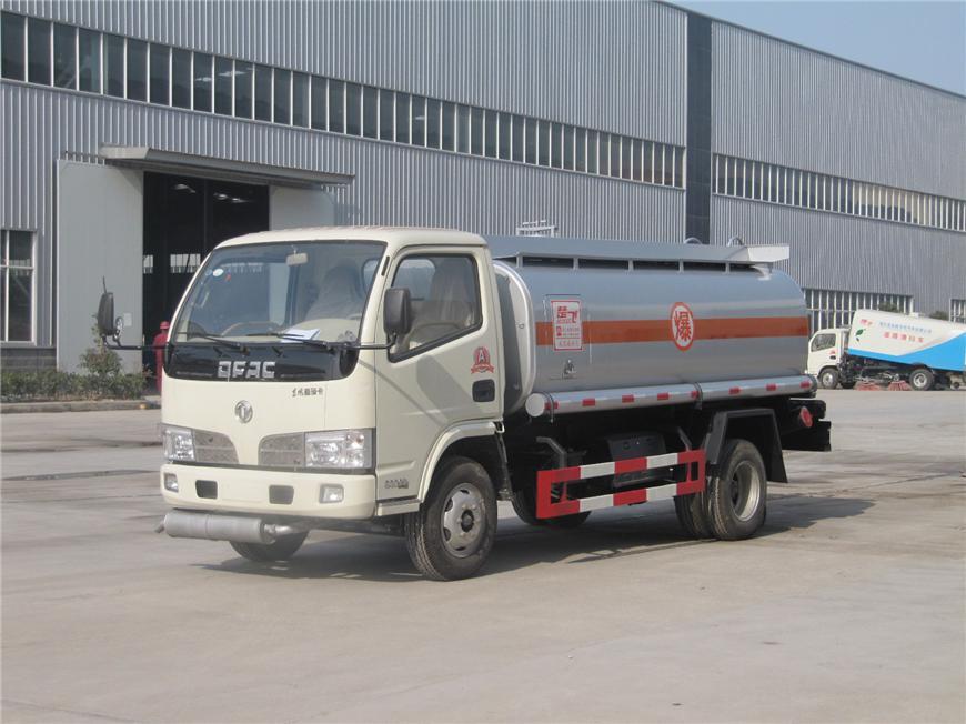 东风5方-15方油罐车展示图9