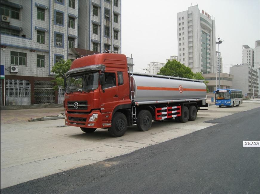 东风30方-40方油罐车展示图1
